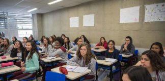 Etec sala de aula estudantes